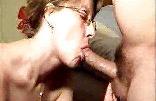 قدیمی, Ariella Ferrera fucks در همسر دوست سکس با خاله تصویری خود را در طول فوتبال