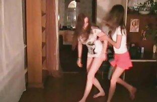 یک کلیپ ویدئویی کوچک به طور انحصاری از فیلم های آماتور ساخته شده است که در آن دختران معمولی ، عقب پایان به شدت سکس مامان و خاله خورد قدرتمند خود ، ضخامت ضخیم از بچه های مورد علاقه خود را ، خوش بلع تمام تقدیر