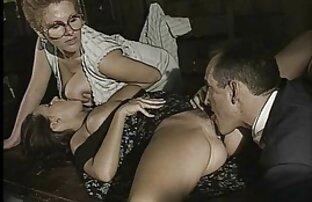 قدیمی, زن و شوهر, رابطه جنسی سگس با خاله در زیر دوربین